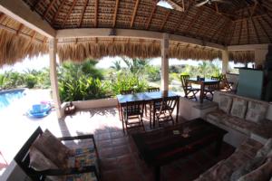 puerto escondido hotel palapa restaurant